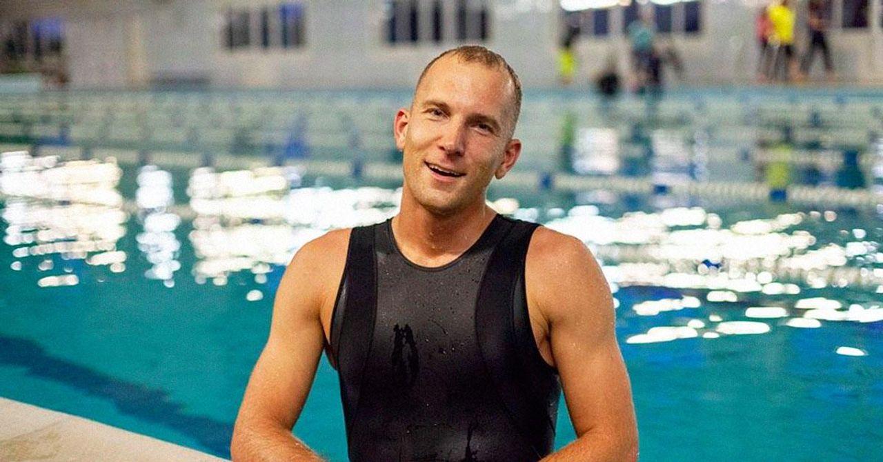 Українець, який майже 300 метрів проплив на одному вдиху, розповів, як став таким витривалим
