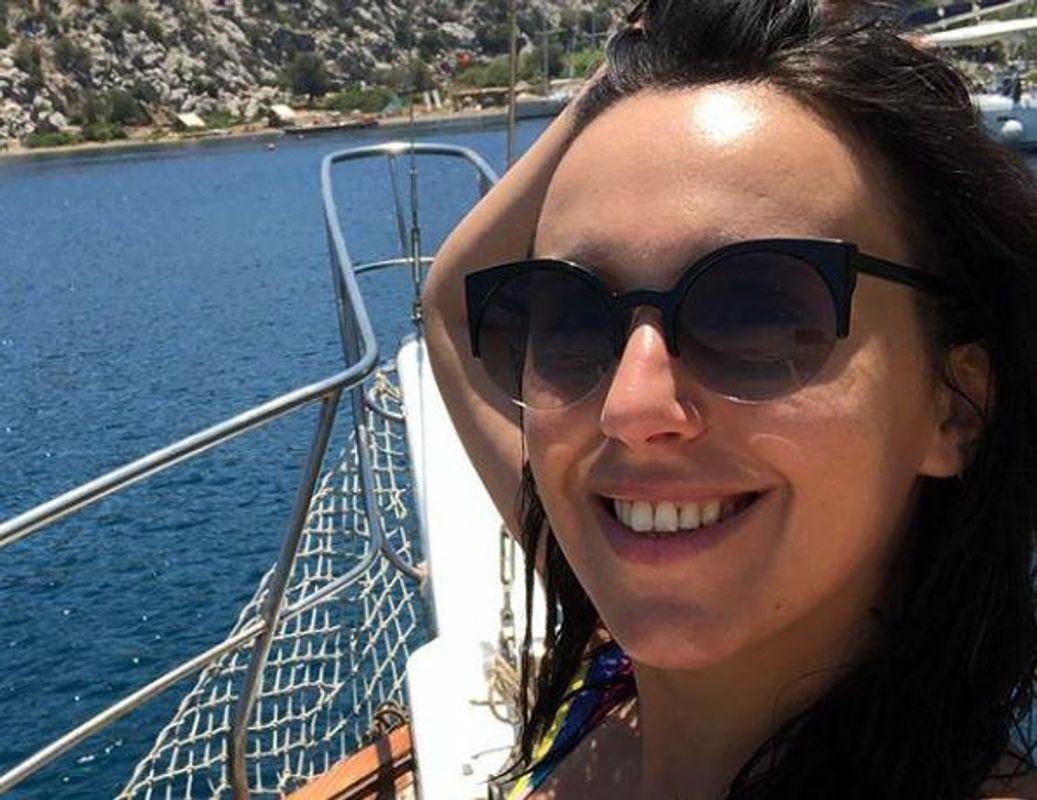 Засмагла і щаслива: Джамала виставила нові фото із заморської мандрівки