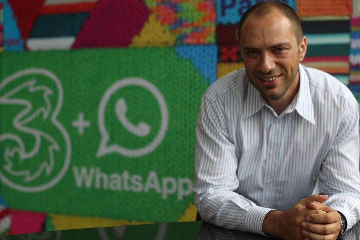 WhatsApp покинув один із засновників: чому емігрант з України Ян Кум вирішив піти з компанії
