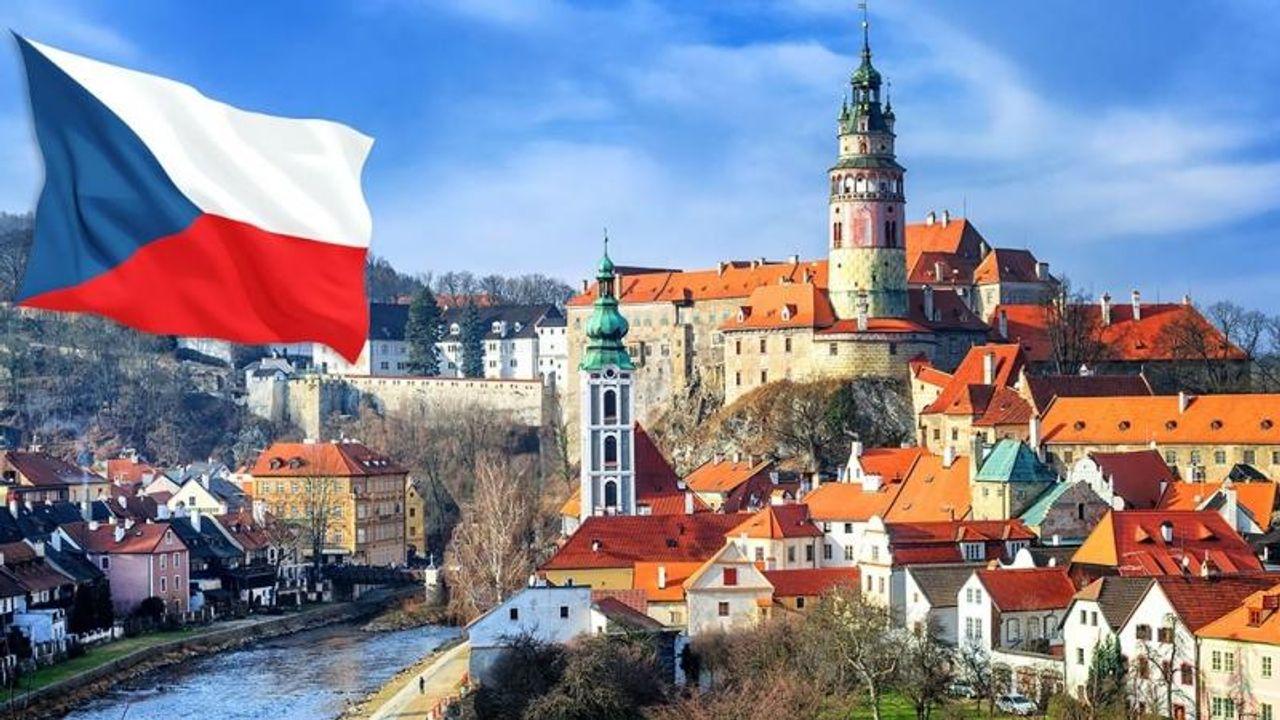 Чехія услід за Польщею вирішила прикритися від біженців українськими заробітчанами