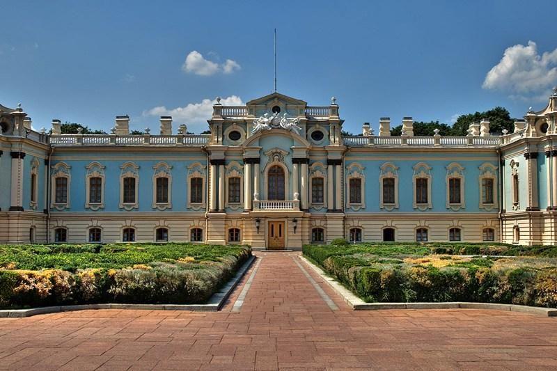 На реставрацію президентської резиденції виділили майже три мільйони