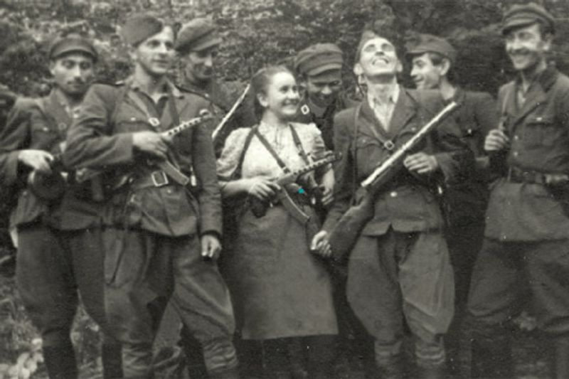 Тонка гра українських розвідниць: деякі з них роками водили за ніс НКВС