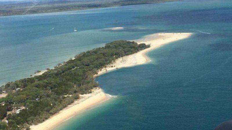 В Австралії велика частина пляжу провалилась в океан