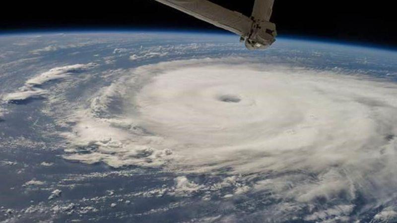 З'явилися вражаючі фото тайфуну, що насувається на Китай