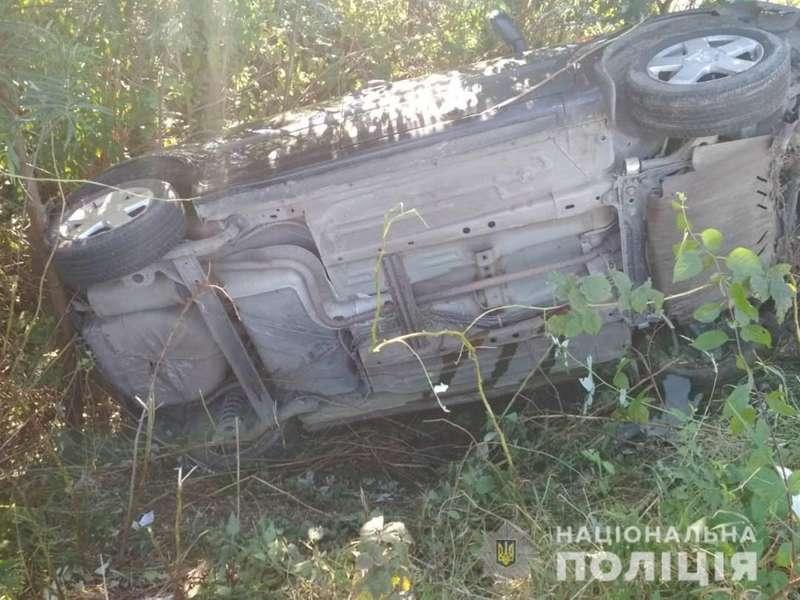 30-річна жінка-водій перекинула авто із чотирма дітьми