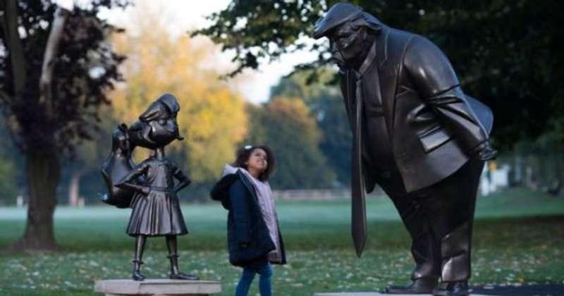 У Британії відкрили смішну статую Дональда Трампа