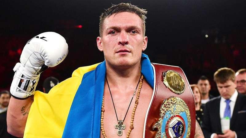 Боксер Усик вважає, що Крим – божий