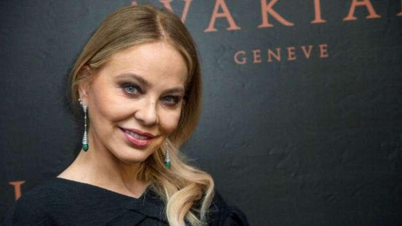 Зіркова акторка, яка хотіла отримати російське громадянство, подорожує Україною