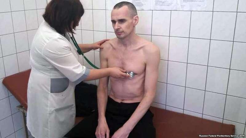 У Сенцова небезпечні недуги - адвокат