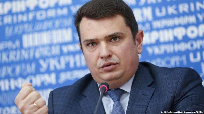 Голова НАБУ виступив зі звітом, який рекламувався у київському метро