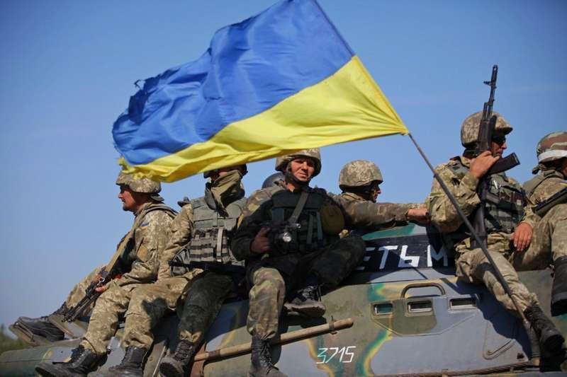 Доба на фронті: двох українських військових поранено,захисниківКомишувахи обстріляли з ПТРК