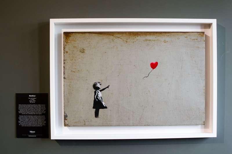 Після продажу на аукціоні Sotheby's за мільйон фунтів, картина Бенксі одразу самознищилася