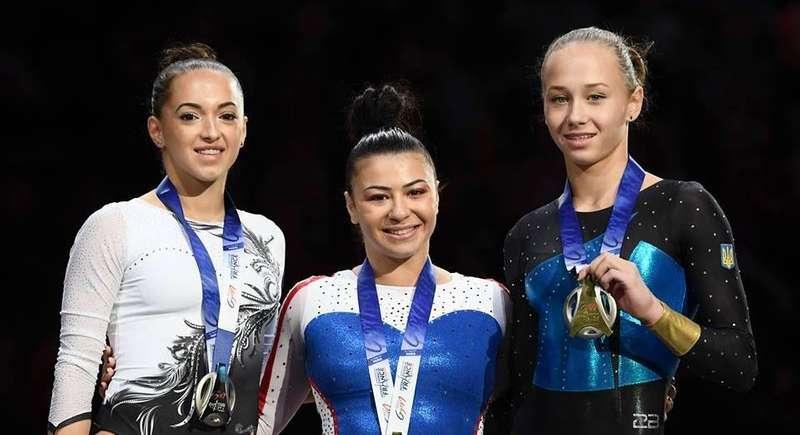 Малі зарплати і старі снаряди: в яких умовах тренується нова зірка української гімнастики