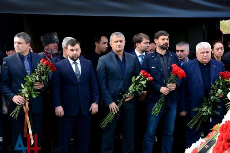 40 днів з дня ліквідації ватажка окупантів: як бойовики поминали Захарченка