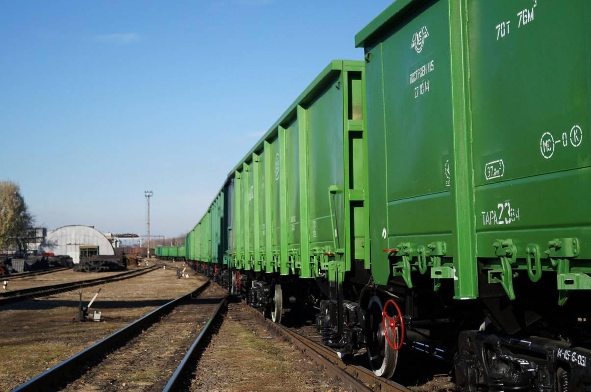 На Вінниччині посадовці Укрзалізниці надавали вагони за хабарі, - СБУ