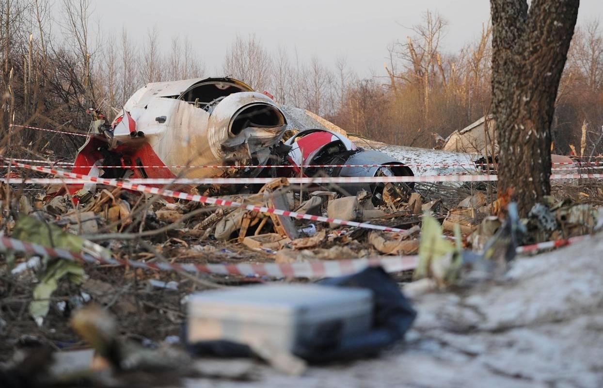 Росія повинна повернути Польщі уламки Ту-154М, на якому летів Качинський, - ПАРЄ