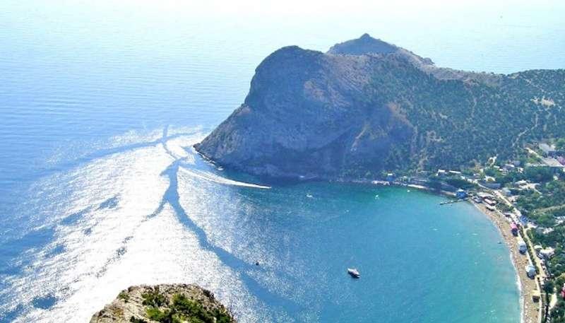 Екіпаж затонулого біля берегів окупованого Криму російського судна врятовано