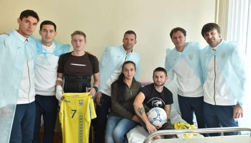 Шевченко, Шовковський, Пятов, Степаненко та Яремчук обдарували захисників України
