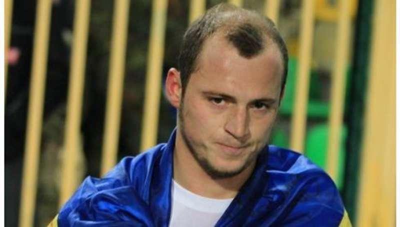 Український футболіст обурений діяльністю волонтерів, які заробляють на допомозі бійцям на передовій