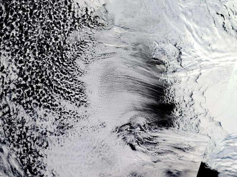 NASA опублікувало фантастичні фото хмар над Антарктидою