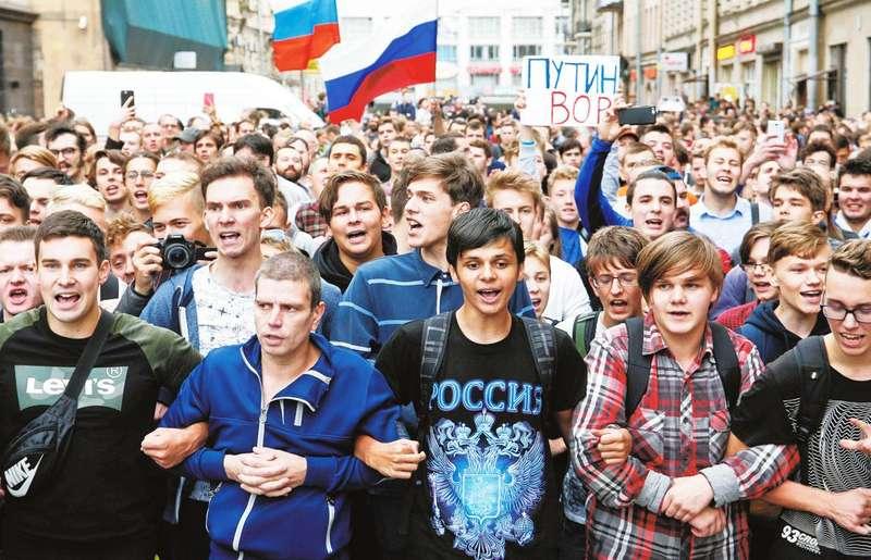 Зашморг на шиї Путіна стискається