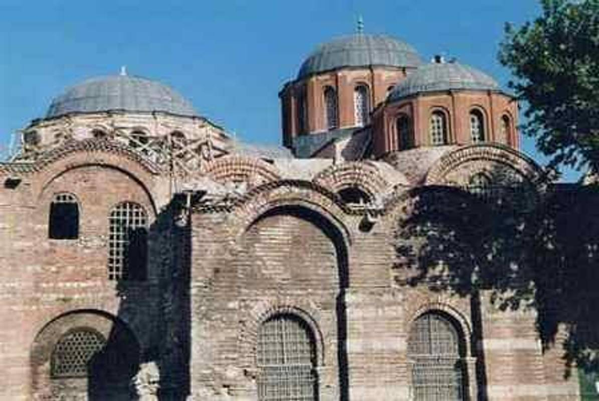 Розрив з Константинополем: російським туристам заборонили відвідувати низку храмів