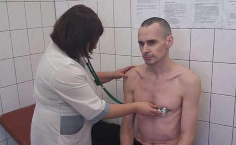 Олег Сенцов у реанімації, його стан критичний— сестра