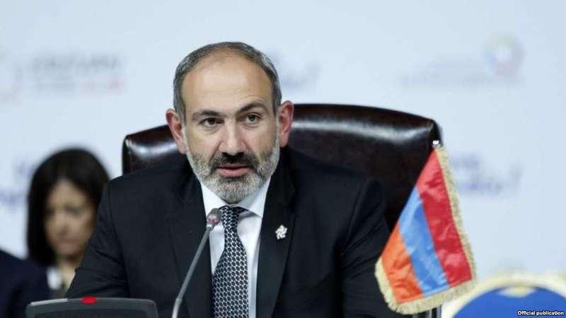 Вірменський прем'єр подав у відставку заради дострокових виборів