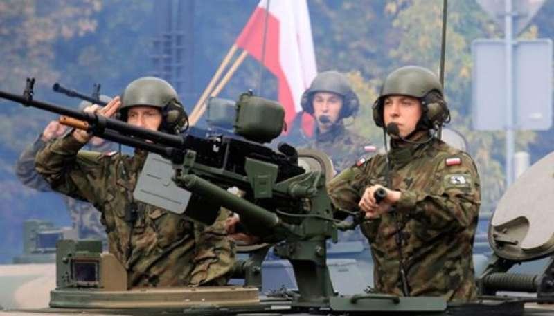 Польща підсилить війська на кордоні з РФ