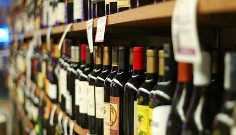 Кількість злочинів у містах, де заборонили продавати алкоголь вночі, знизилася у рази, - експерт
