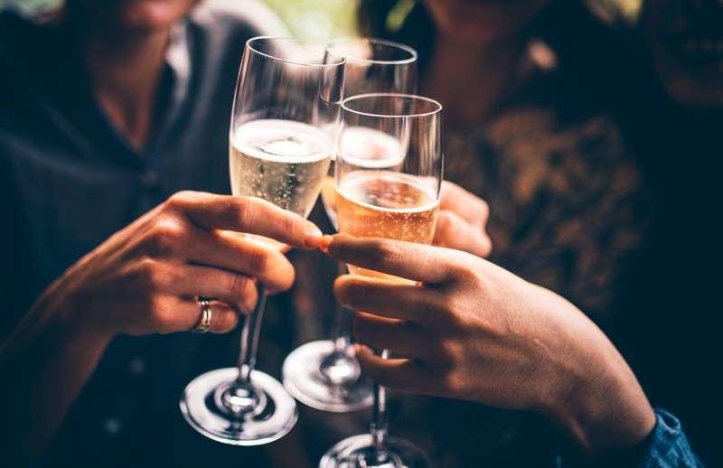 Учені застерігають, що максимальна доза напою - не більше 100 мілілітрів на день