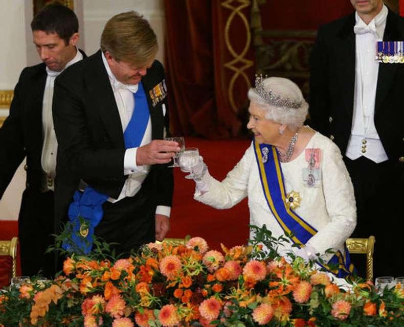 Королівський бенкет: британська королева приймала монарха Нідерландів (фото)