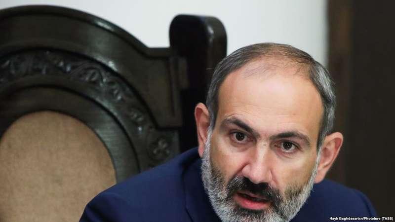 У Вірменії не обирають прем'єра, щоб призначити дострокові вибори