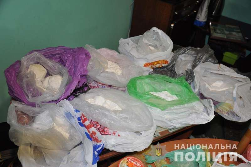 На Буковині поліція вилучила наркотики на 10 мільйонів