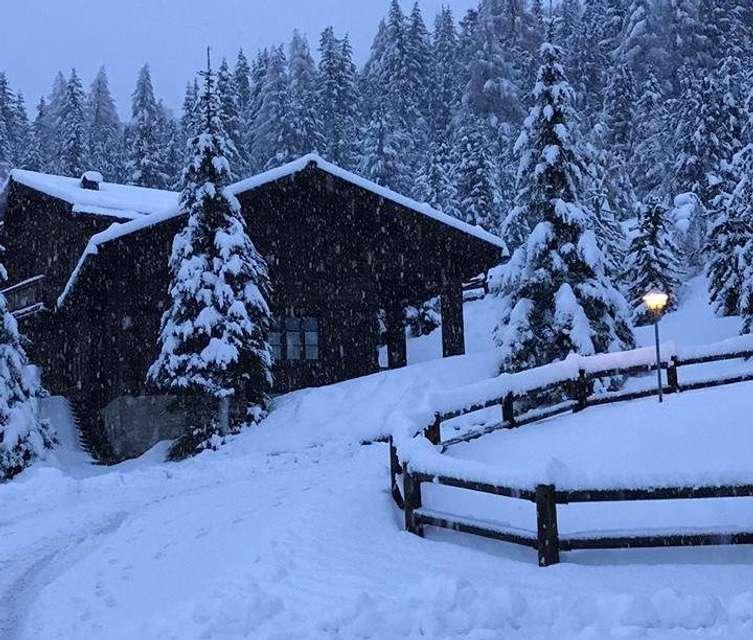 Зимова казка: північ Італії засипало снігом (фото, відео)