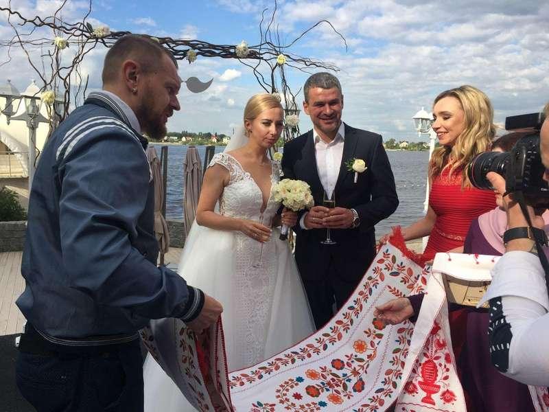 Нас розписував Олег Винник, - Тоня Матвієнко розповіла про своє весілля