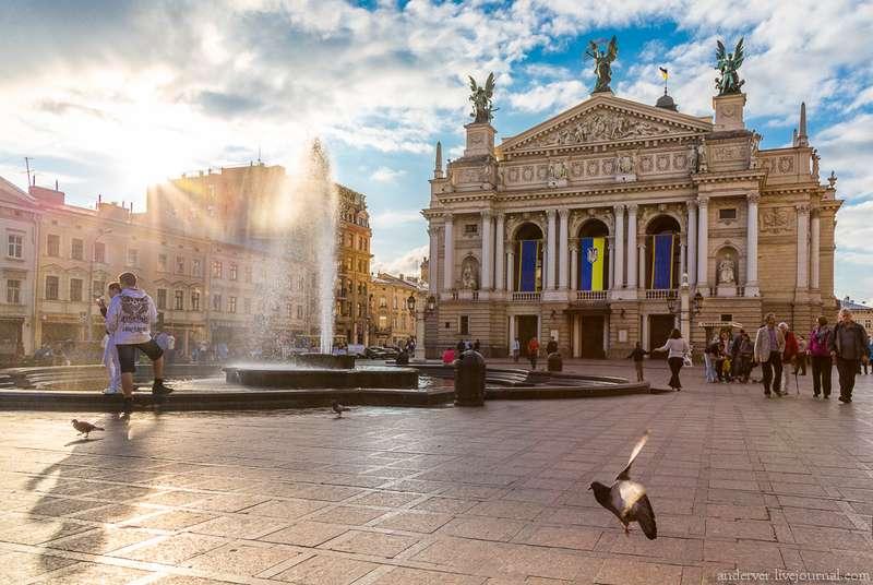 У Львові відімкнули опалення через потепління