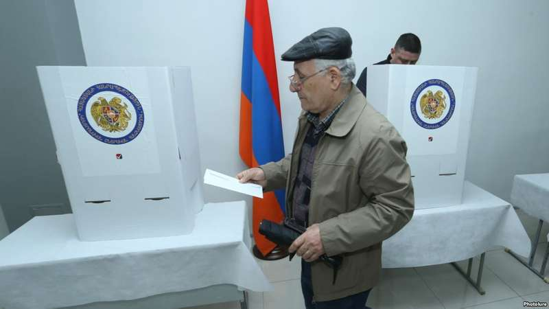 У Вірменії відбудуться дострокові вибори до парламенту