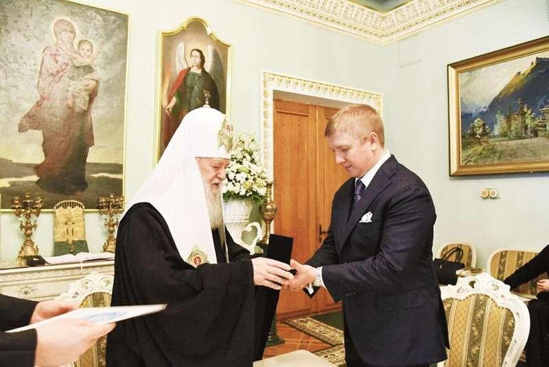 Церковні ордени і пожертви: як отримати нагороду від Філарета?