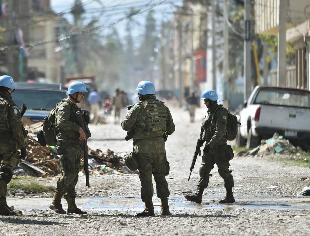 Миротворці на Донбасі: потужна стратегія чи звичайний піар