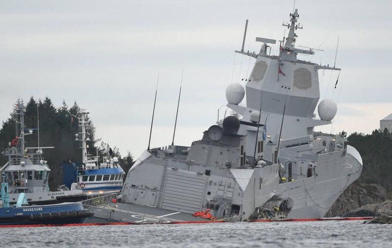 Норвегія: фрегат, який зіштовхнувся з танкером, почав тонути
