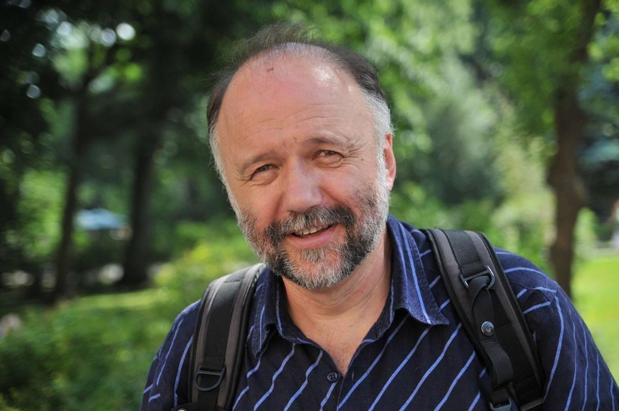 Два - ні, одне - так: Андрій Курков згадав свої освідчення коханій