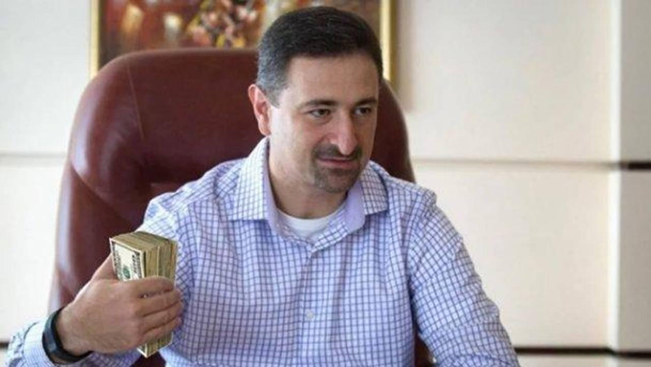 Директора Укрпошти роздратувало офіційне повідомлення про його зарплату у мільйон