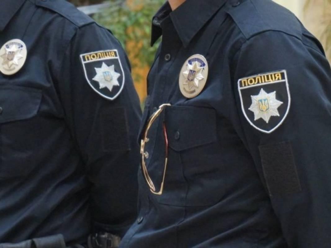 Водій, який погрожував поліцейським зброєю, відбувся іспитовим терміном