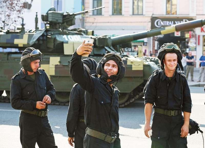 Чи така страшна армія, як її малюють?