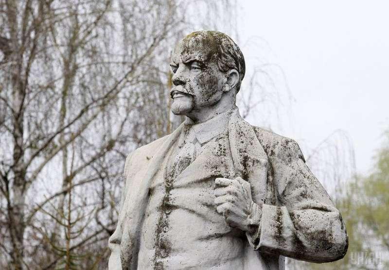 В'ятрович повідомив, яка доля чекає декомунізовані пам'ятники
