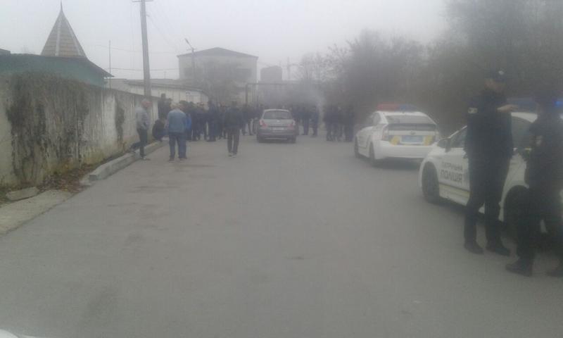 Почалася блокада двох українських митниць: на пікеті палають шини