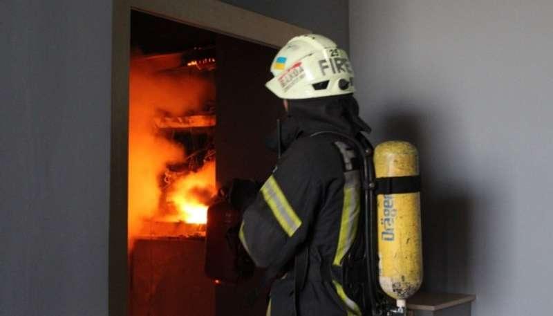 У Києві з 5 по 23-й поверхи горіла 25-поверхівка: задіяли 20 пожежних машин