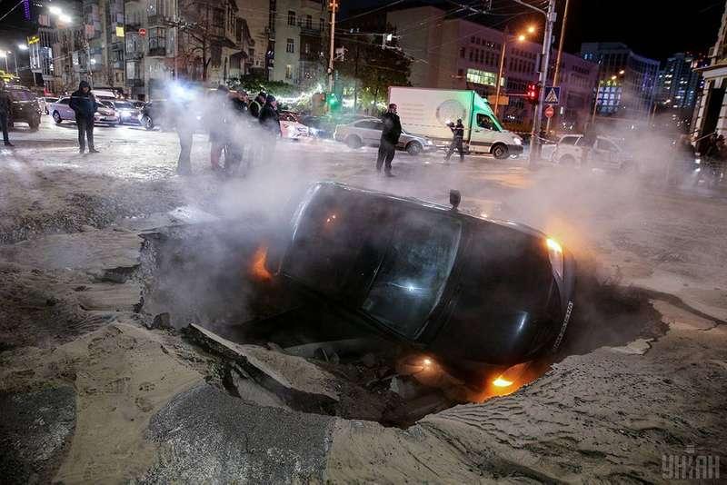 Аварія на тепломережі у Києві: без опалення - дві багатоповерхівки