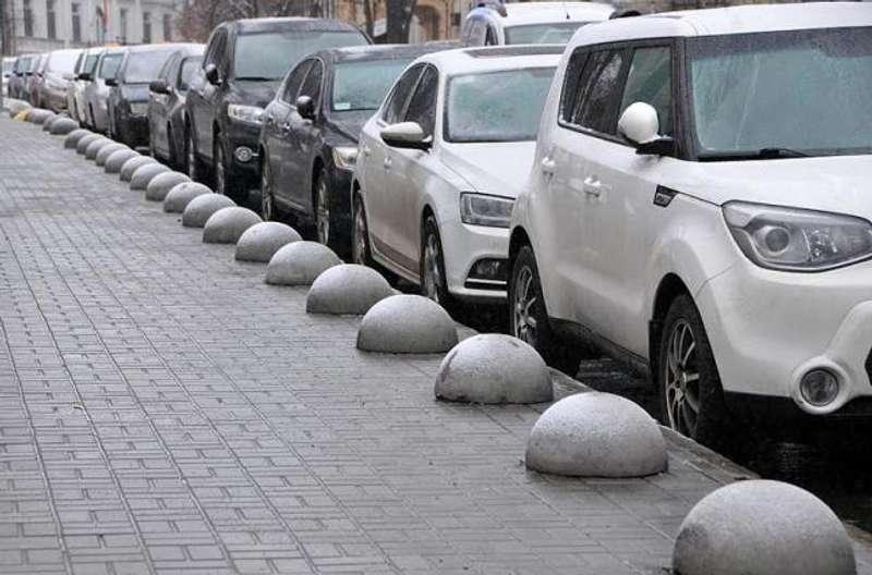Нові правила паркування у Києві: що зміниться для водіїв